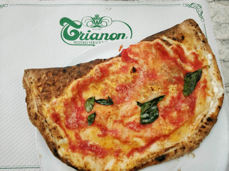 Restaurante trianon pizza napoles