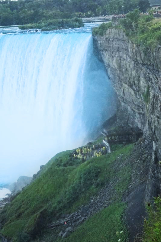 cataratas-niagara-journey-behind-the-fall