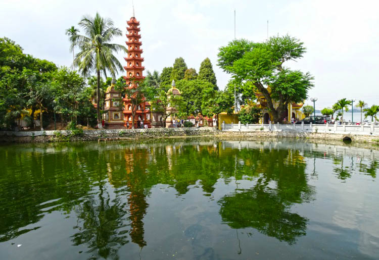 hanoi barrio west lake